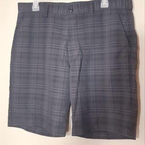HAGGAR | Sz34 mens black grey plaid shorts